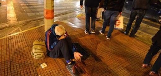 34d28850a7b Τραγικό στην Αθήνα: Φοιτήτρια είδε στον δρόμο τον άστεγο πατέρα της !